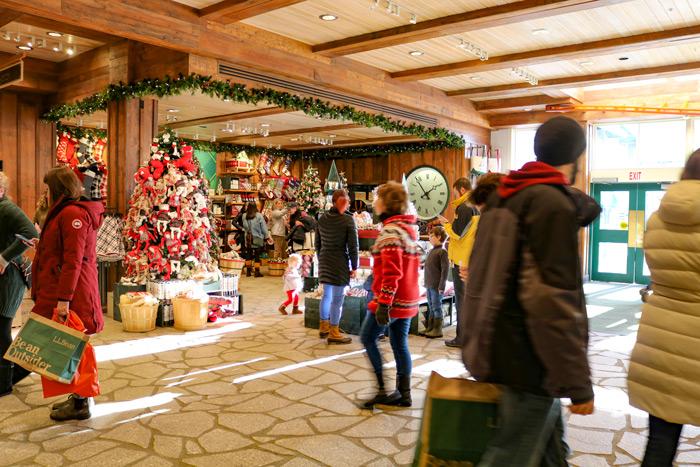 L.L. Bean Christmas Shoppers